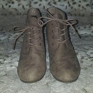 Arizona Booties (Taupe)